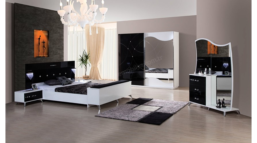 Romans Siyah Yatak Odası